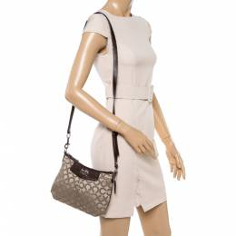 Coach Brown/Beige Signature Canvas and Leather Zip Shoulder Bag 350212